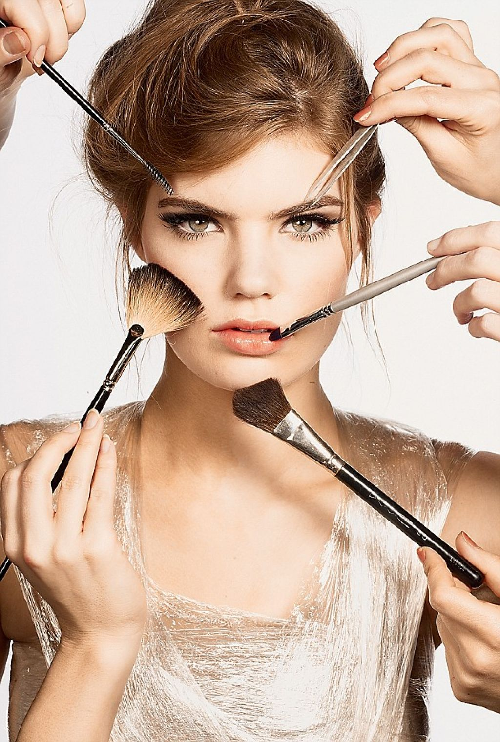 Top 7 gorgeous makeup ideas to greet New Year!