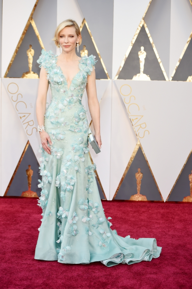 Top 5 stunning looks from the Oscars Red Carpet